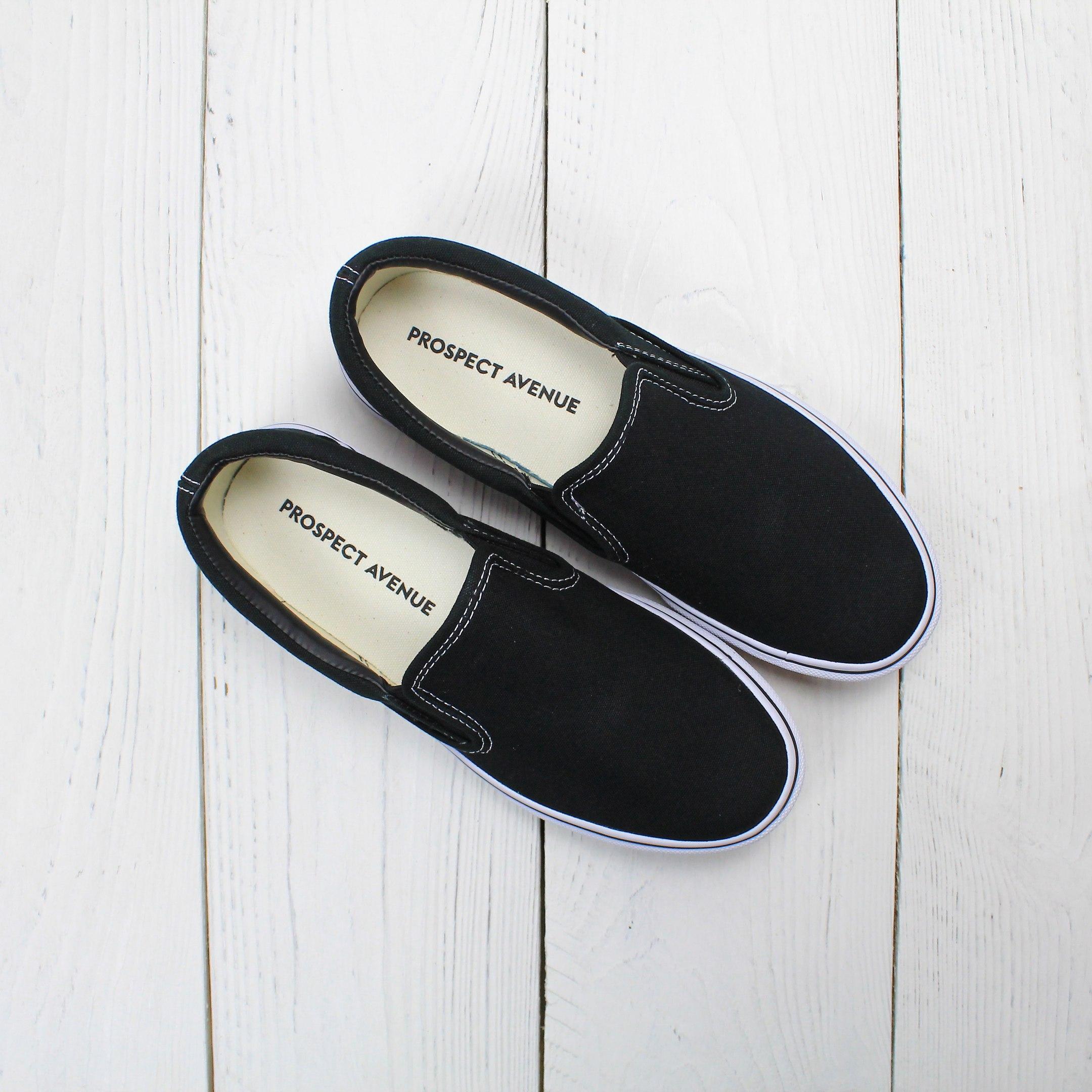 Черные слипоны PROSPECT AVENUE без принта   купить базовые Черные слипоны  PROSPECT AVENUE в интернет-магазине Prospect Avenue cb2713cf64c